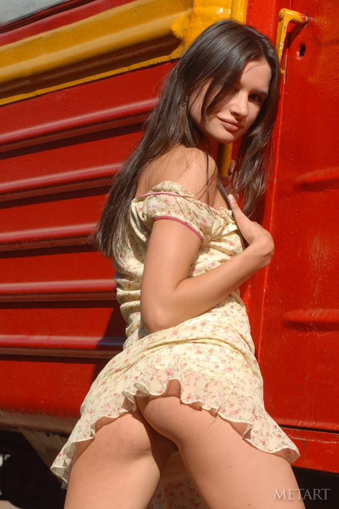 Фото кати в поезде порно 17 фотография