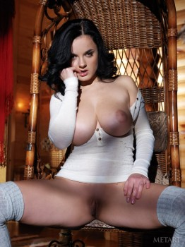 Dark-haired chick proves her pussy is very beautiful.