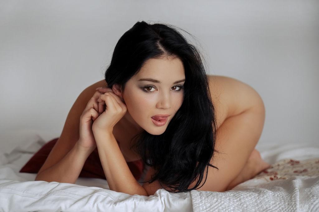 porno-milashki-bryunetki