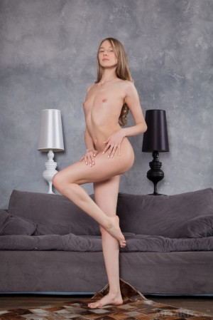 Tired sweetie eats her dinner totally naked